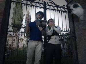 """""""Leggi qua: dicono che è infestato dai fantasmi... seeeeeeeee... figurati... i fantasmi.. mica esistono!!"""" (7 giugno)"""